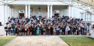 Ђаци генерације на пријему у Белом двору