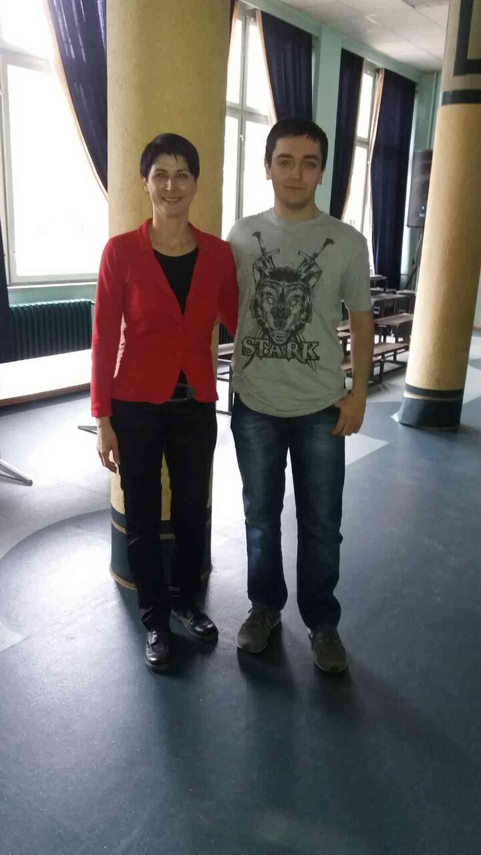 Ученик Стефан Павић са професорком Александром Секулић