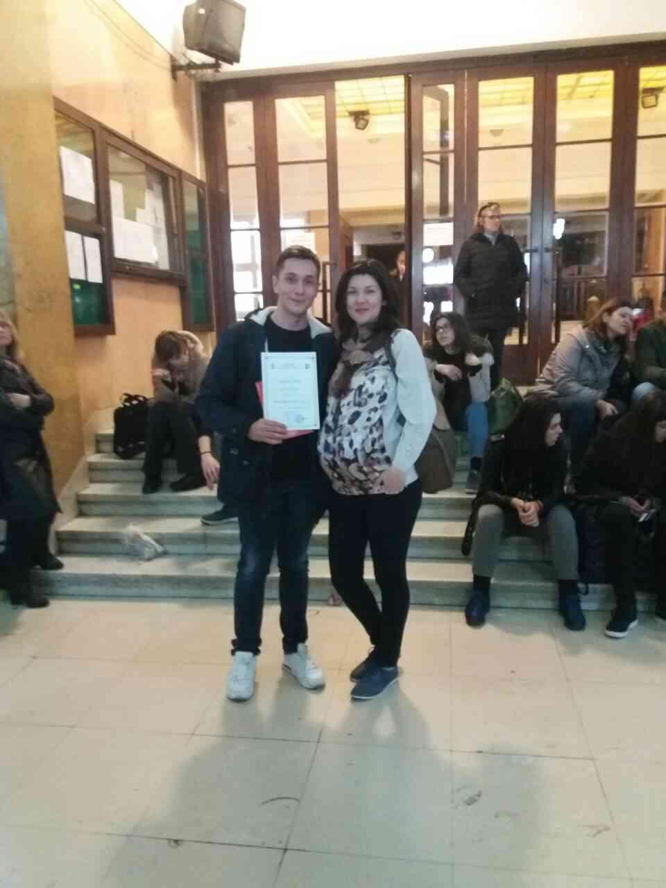 Ученик Никола Костић са професорком Миленом Радовановић