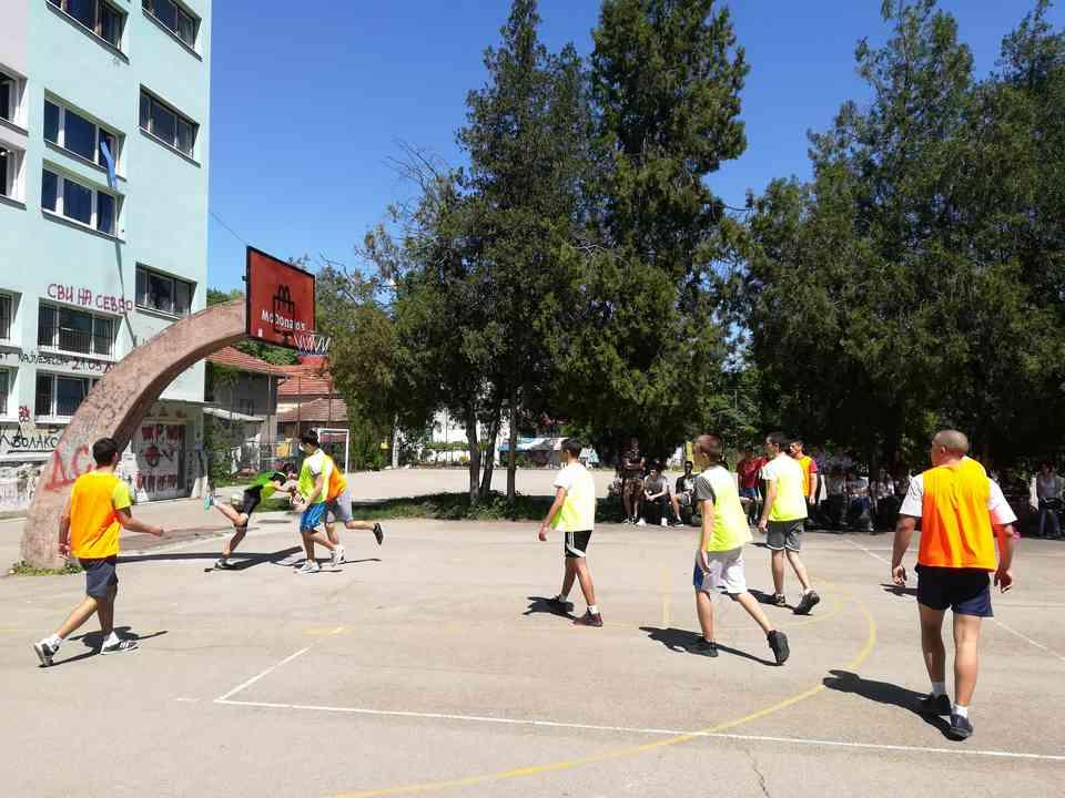 Кошаркашки турнир одељења јагодинске гимназије школске 2017-18. године - слика 2