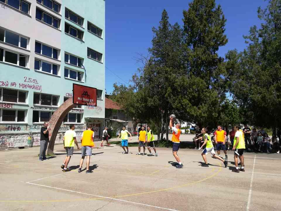 Кошаркашки турнир одељења јагодинске гимназије школске 2017-18. године - слика 5