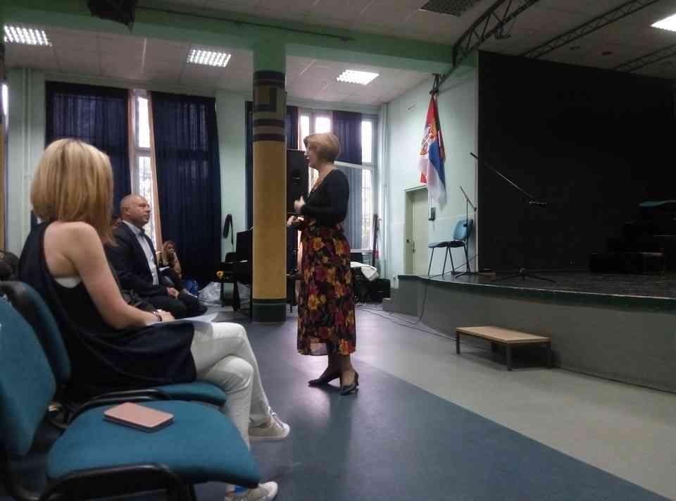 Veče solo pevanja učenika jagodinske gimnazije i muzičke škole Vladimir Đorđević iz Jagodine - slika 8
