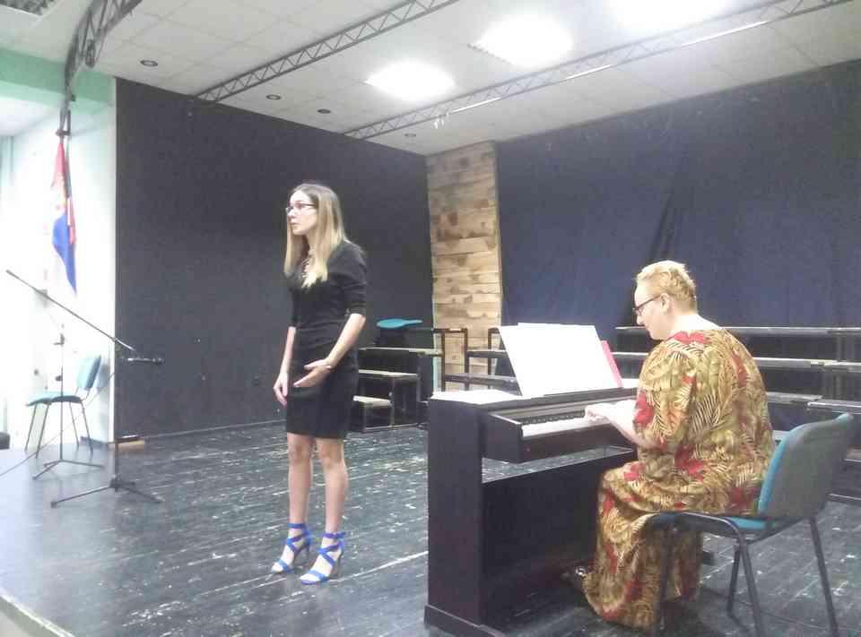 Вече соло певања ученика јагодинске гимназије и музичке школе Владимир Ђорђевић из Јагодине - слика 18