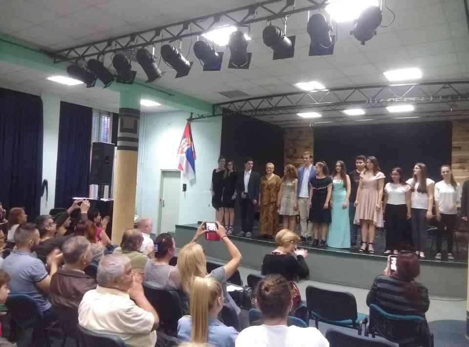 Veče solo pevanja učenika jagodinske gimnazije i muzičke škole Vladimir Đorđević iz Jagodine - slika 34