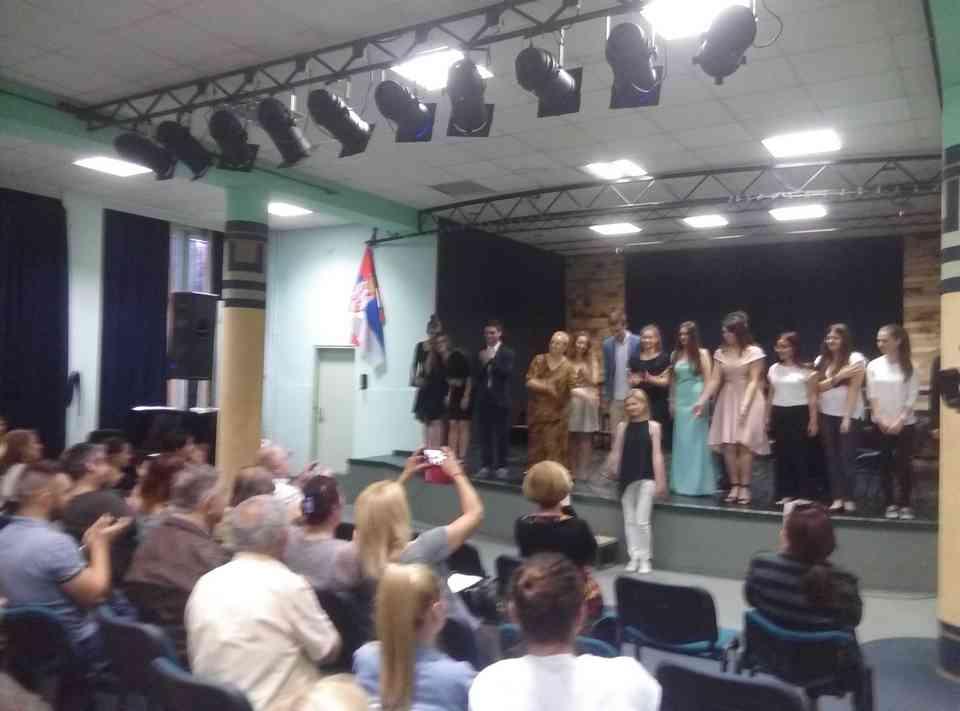 Veče solo pevanja učenika jagodinske gimnazije i muzičke škole Vladimir Đorđević iz Jagodine - slika 35